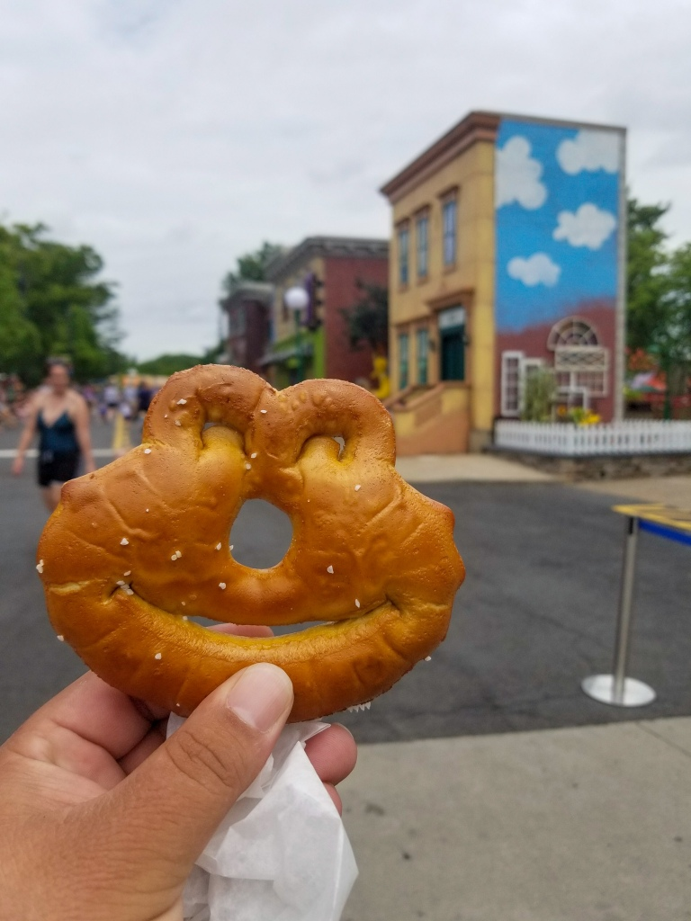 Sesame Place, Sesame Street, Pretzel,