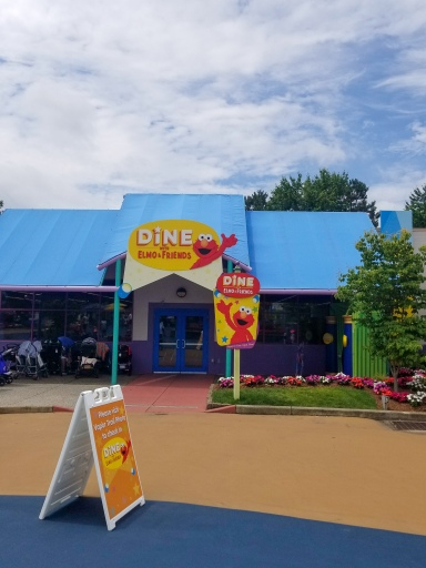 Sesame Place, Sesame Street, Dine with Elmo and Friends