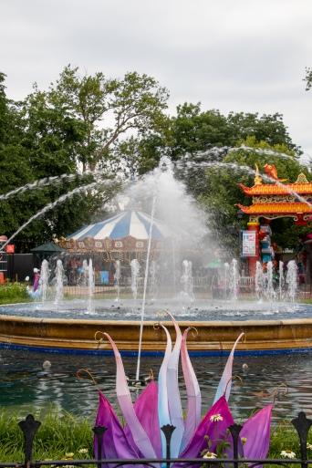 Franklin square, William Penn, family, carousel, fountains