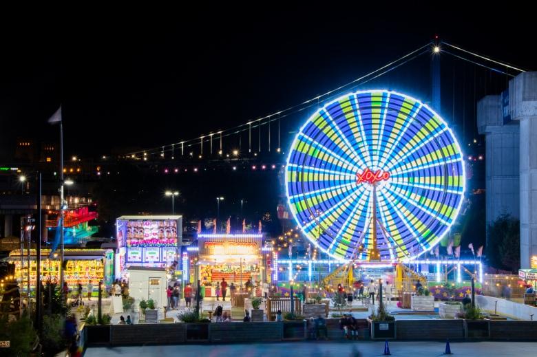 Farris Wheel, Penns Landing, Family, Philadelphia, Philly, Center City, City of Brotherly Love,