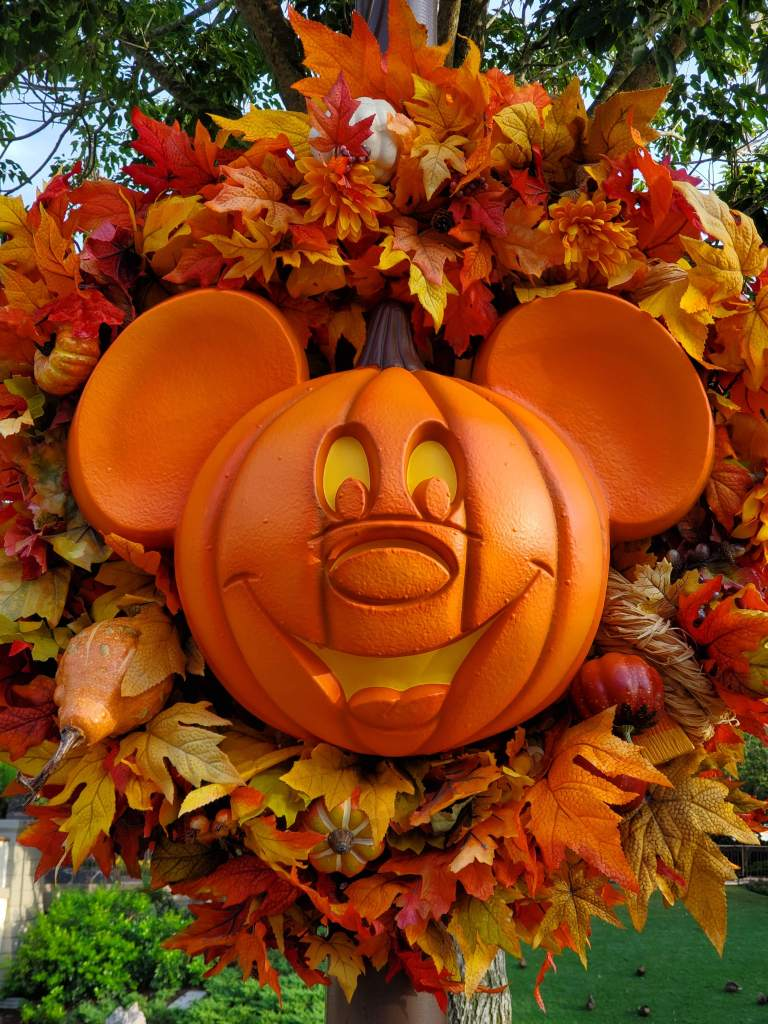 Halloween at Magic Kingdom, Micky Mouse, pumpkin, WDW, Walt Disney World, Orlando, Summer, Fall, Spring, Winter, Theme Park, Disney,