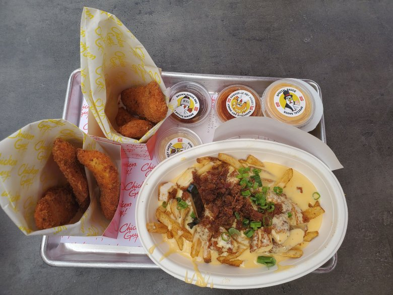 Disney springs, quick service, walt disney world, WDW, ddp, disney dining plan, chicken guy, chicken tenders,