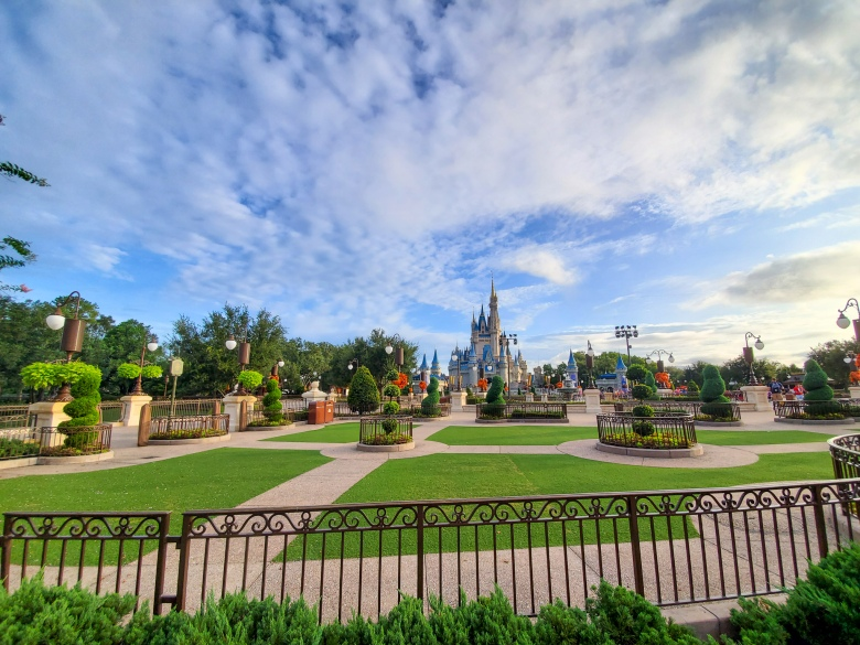 Disney World, Walt, WDW, thrills, rides, food, tips, tricks, magic kingdom, castle