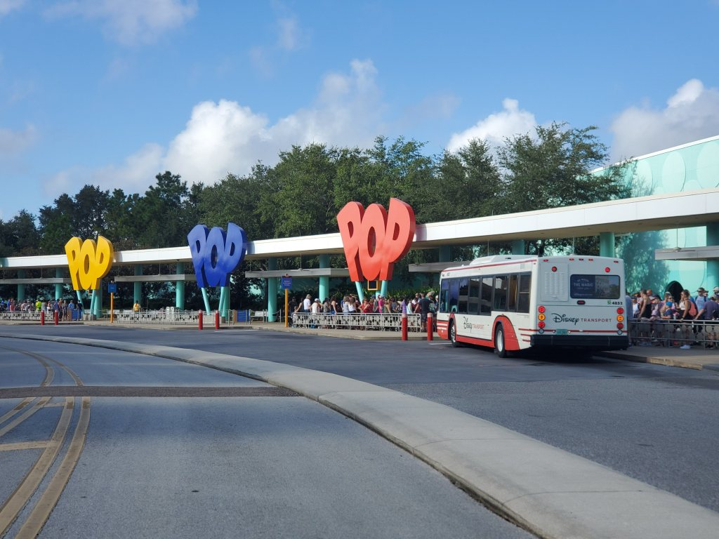 POP Century, POP, WDW, Disney World, Resort, Hotel, Value Resort, bus loop,