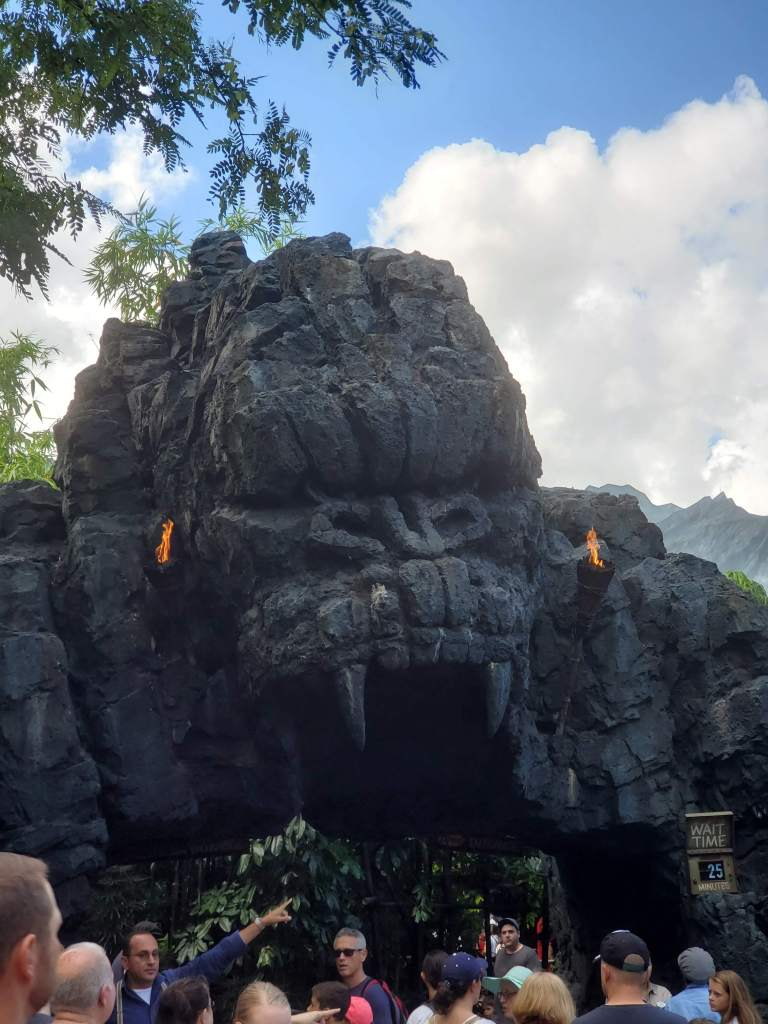 King Kong, rides, Walt Disney World, Universal Orlando, Theme Park, Orlando, VS, family friendly, Fun, dark ride,