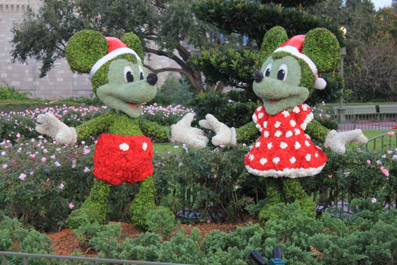Mickey and Minnie Mouse, Christmas, Holidays, WDW, Walt Disney World, Orlando, Summer, Fall, Spring, Winter, Theme Park, Disney, Magic Kingdom