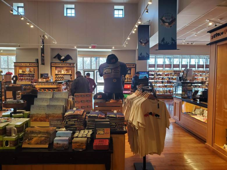 gift shop, Gettysburg National Military Park, Visitor Center, Museum, PA, Civil War, Union, Confederate, vacation, road trip, t-shirts,