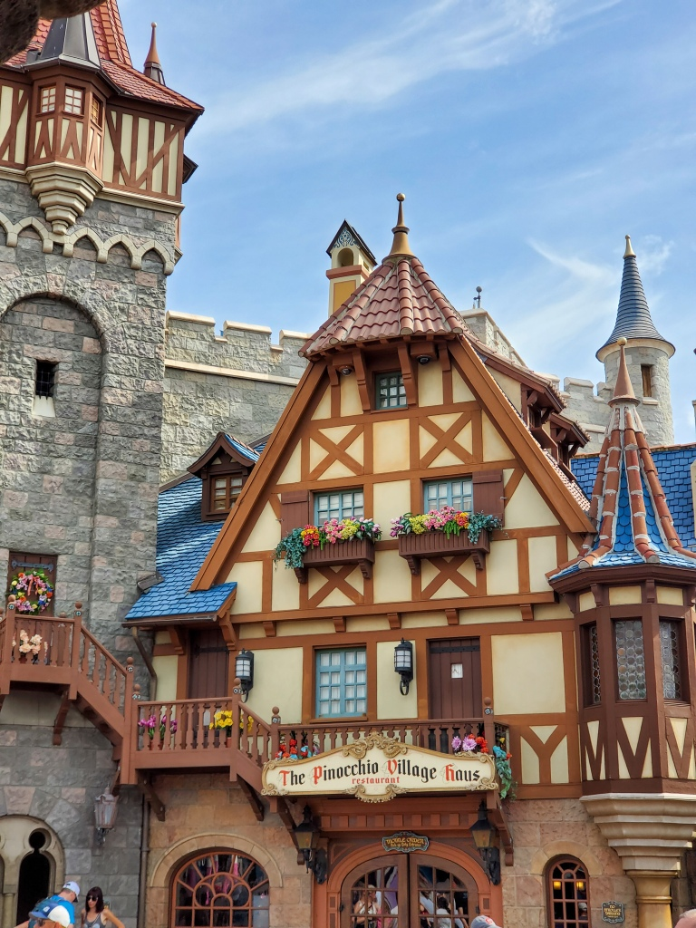 The Pinocchio Village Haus, Fantasy Land, Magic Kingdom, Disney Dining Plan, DDP, WDW, Walt Disney World, quick service, food, restaurants, theme park,