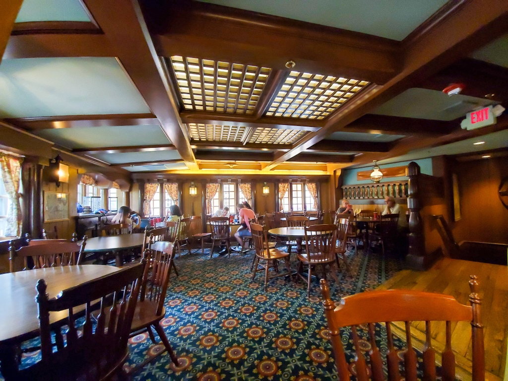 columbia harbour house, Magic Kingdom, Disney Dining Plan, DDP, WDW, Walt Disney World, quick service, food, restaurants, theme park,