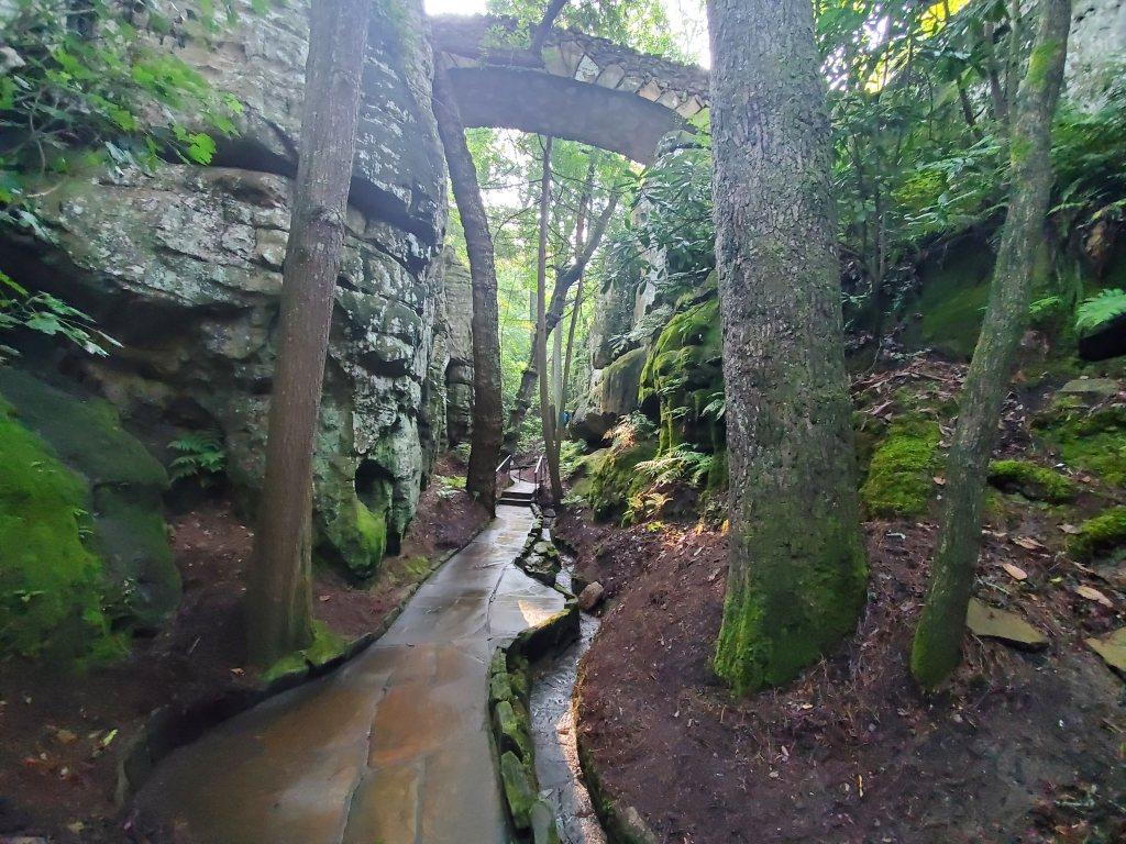 beautiful pathway in rock city gardens