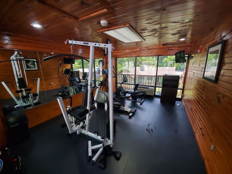 hotel review, Gatlinburg, Pigeon Forge, Tennessee, TN, Baymont, Wydham, exercise room,