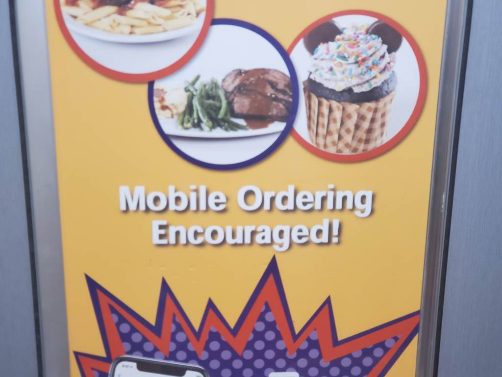 Walt Disney World Mobile Ordering Encouraged